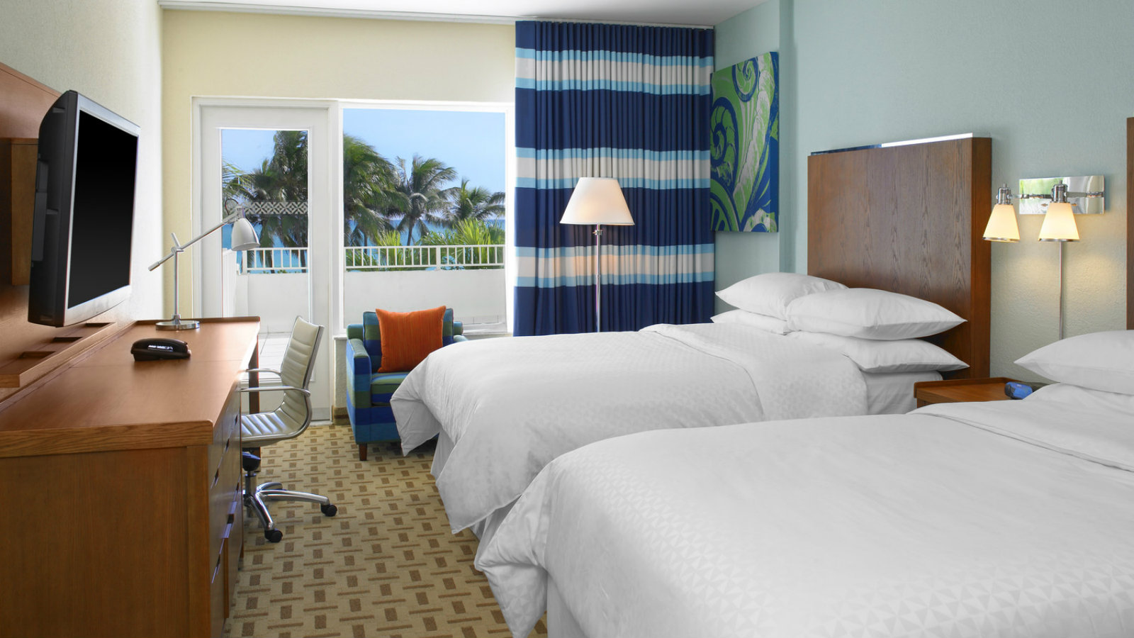 Deluxe Oceanfront - Two Double Beds