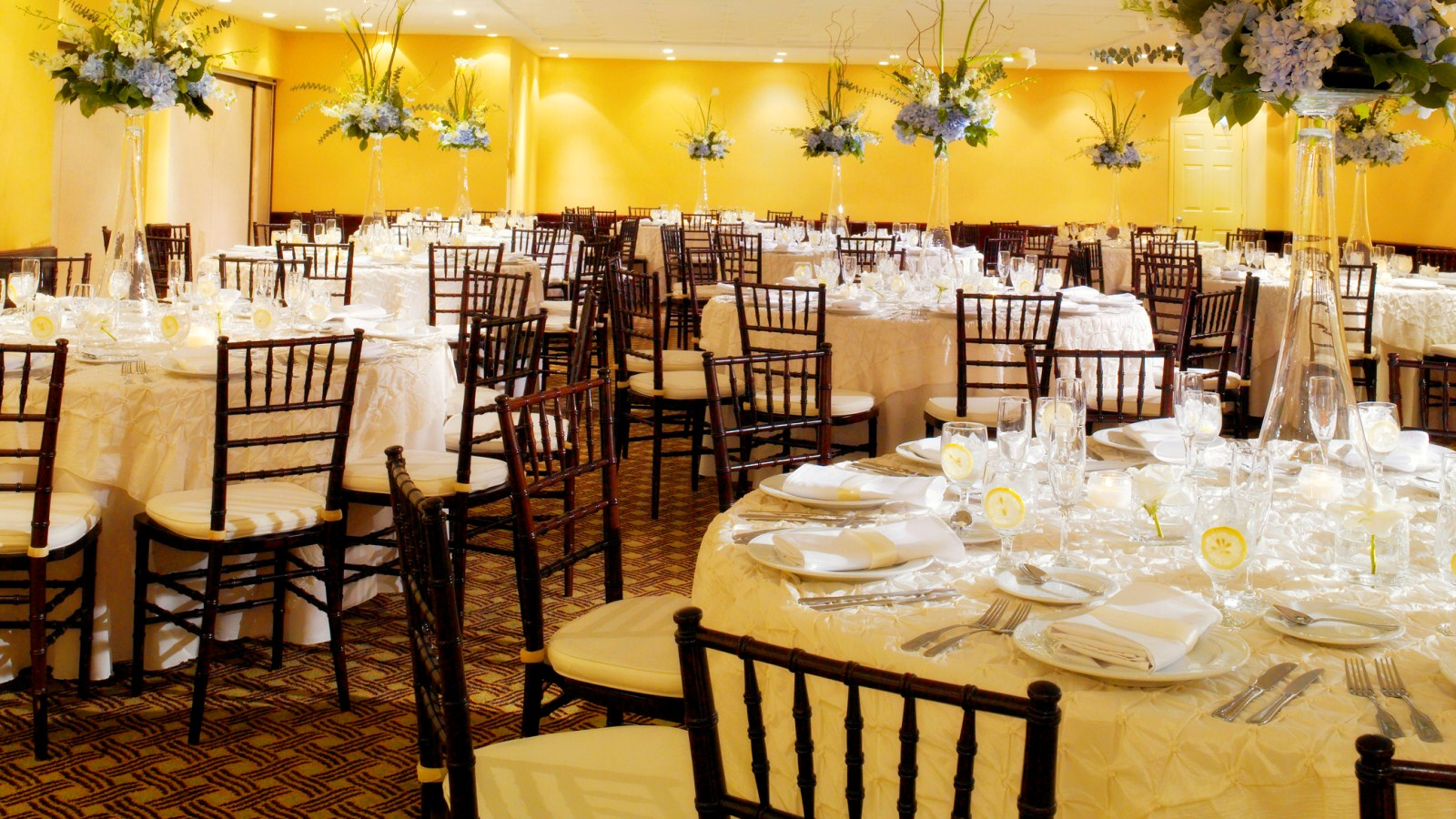 Miami Beach Meeting Rooms - Banquet Setup